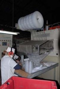 La planta espirituana elabora unos 35 renglones de productos desechables.