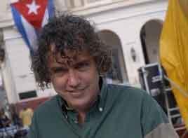 Ángel Martínez Niubó recibió, en el 2009, el primer premio en el Concurso Internacional de Minicuentos.