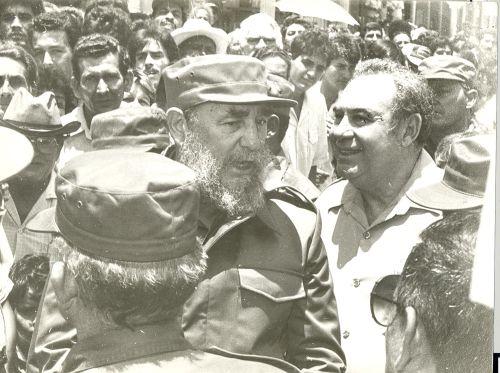 Fidel en su visita a Fomento en mayo de 1989.