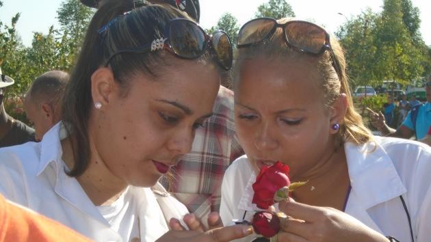Jóvenes en el tributo al Maestro y a Fidel.